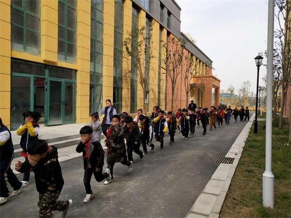 亳州三小开展春季消防应急疏散演练活动 自媒体