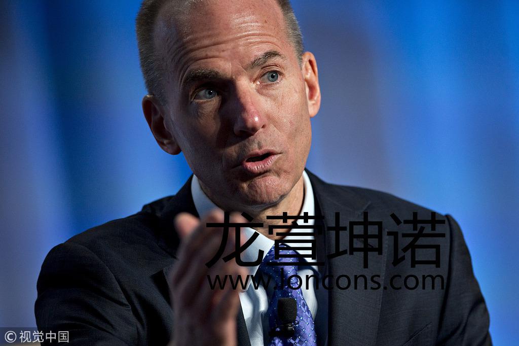埃航波音客机坠毁后 美交通部长与波音CEO安抚人心 自媒体