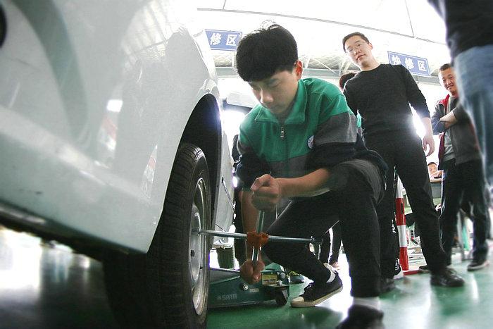 亳州工业学校智能制造部举行汽车专业技能大赛 自媒体
