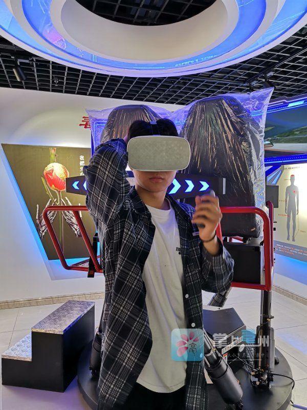 毒驾啥感觉?VR技术让你体验多可怕! 自媒体
