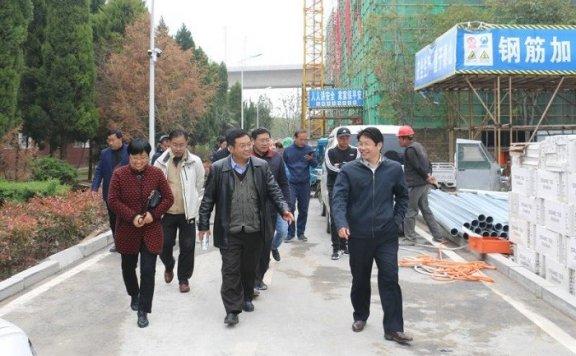 亳州市教育局党员活动日进校园接地气